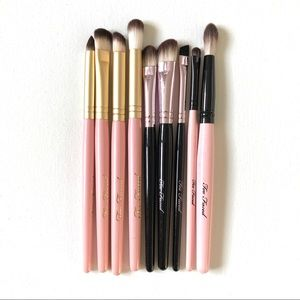 Too Faced Makeup - Set of 9 Too Faced Makeup Brushes w Brush Holder